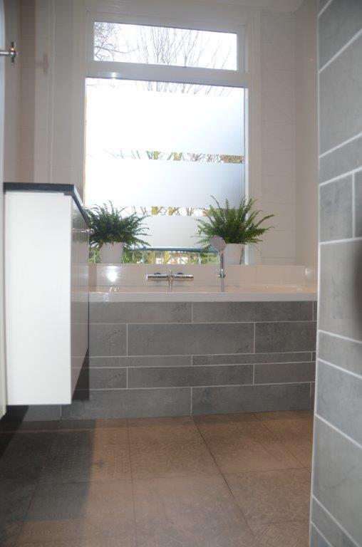 badkamer-renovatie-ligbad - Blommestijn Installatiebedrijf